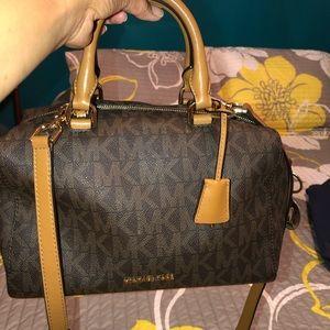 Slightly used Aunthentic MK purse